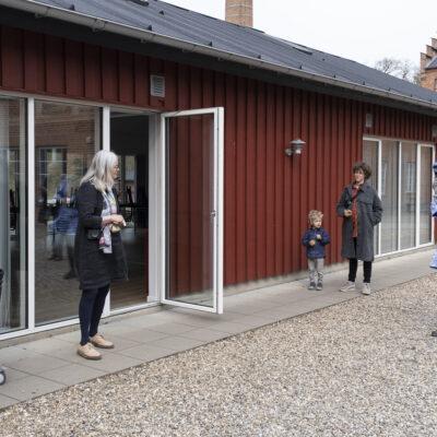 Kuratorer Annette Gerlif & Helle Bovbjerg, leder af Aarhus Billedkunstcenter Kirstine S. Højmose samt Pernille Pontoppidan Pedersen. Photocredit: Birgitte Munk