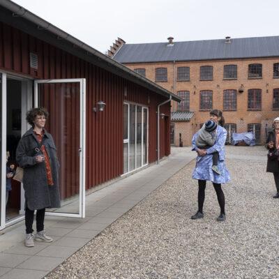 Åbningstale af Kirstine S. Højmose, leder af Aarhus Billedkunstcenter.  Photocredit: Birgitte Munk